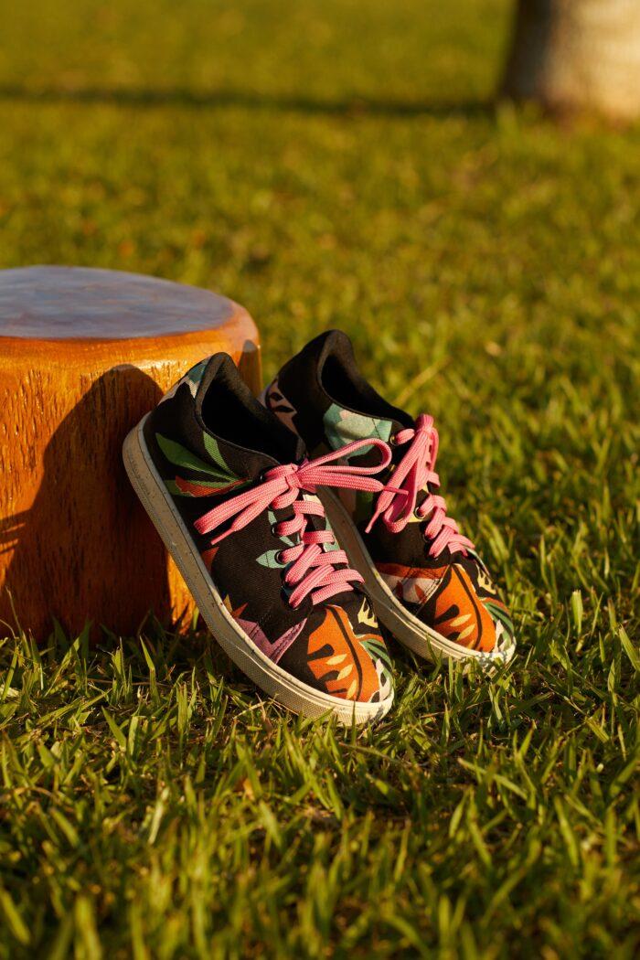 Peças sustentáveis da Insecta Shoes em collab com a Renner