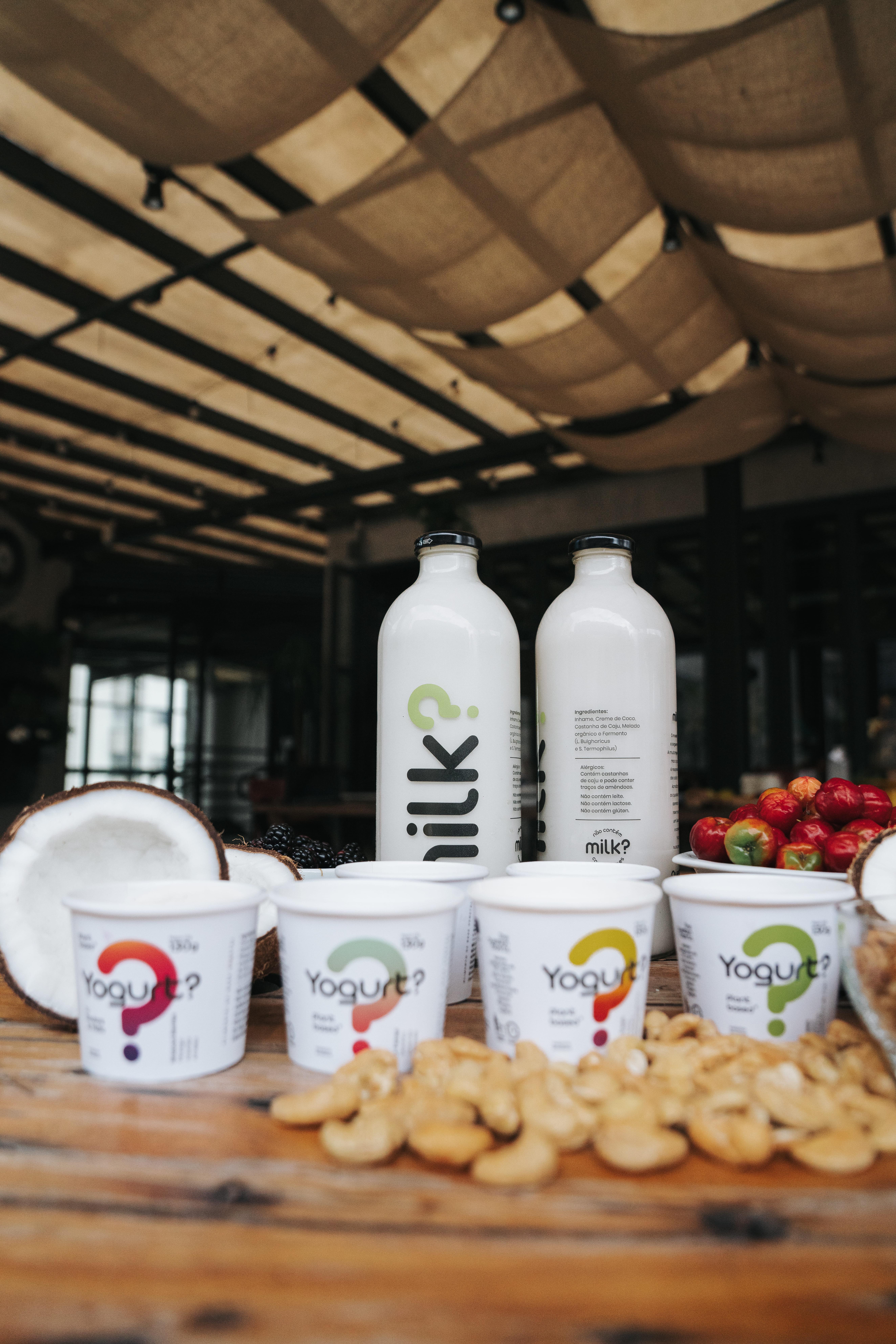 Linha de leite e iogurte vegetal